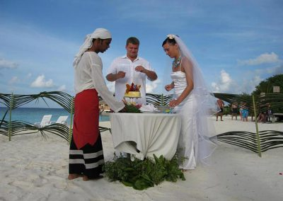 Adaaran-Select-Meedhupparu-Maldives-island-wedding-honeymoon-1