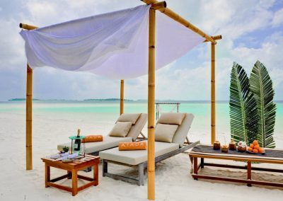 ayada-maldives-holiday-resort-beach-bed