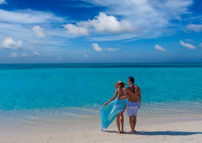 cocoon-maldives-villas-beach-couple-romantic