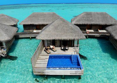 cocoon-maldives-villas-relax-pool-ocean