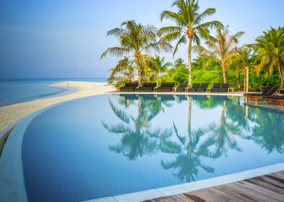 kuredu-island-maldives-resort-pool-beach