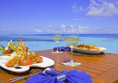 Medhufushi-Island-Resort-maldives-food-resturant-table