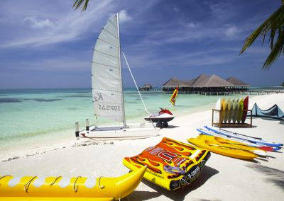 Medhufushi-Island-Resort-maldives-watersports