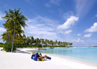 Olhuveli-Beach-Maldives-beach-relax-holiday