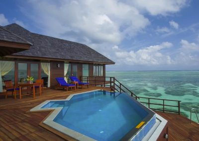Olhuveli-Beach-Maldives-paradise-rooms-pool-ocean